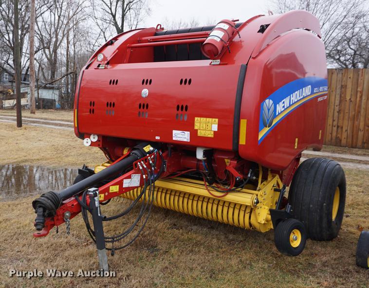 2014 New Holland Rollbelt 560 specialty crop round baler | I