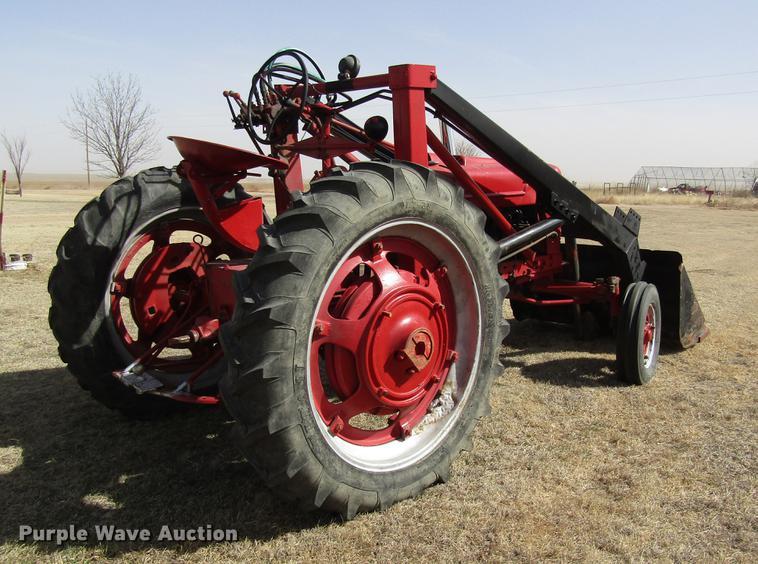 1945 Farmall H tractor | Item DD8725 | SOLD! March 28 Ag Equ
