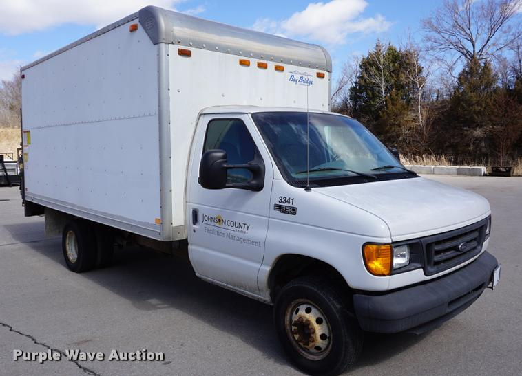 2003 Ford E350 Super Duty Box Truck Item De3097 Sold Ap