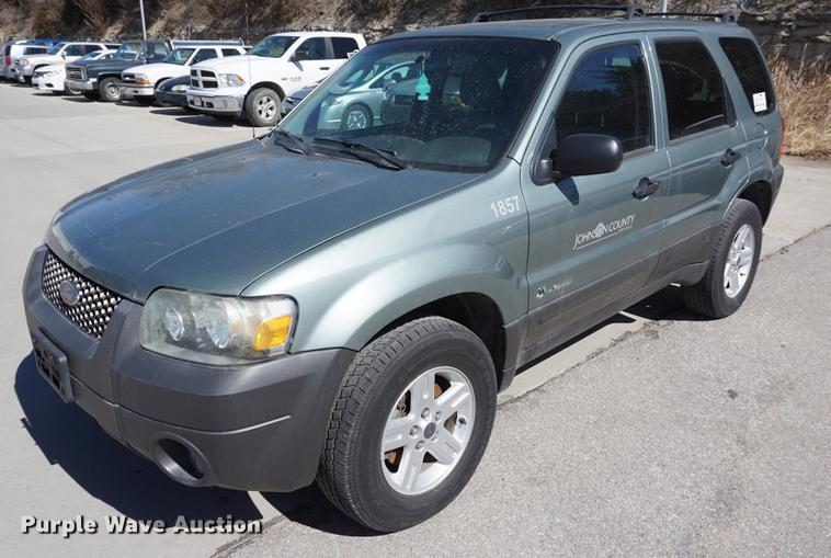2005 Ford Escape Hybrid Suv Item De3098 Sold April 3 Go