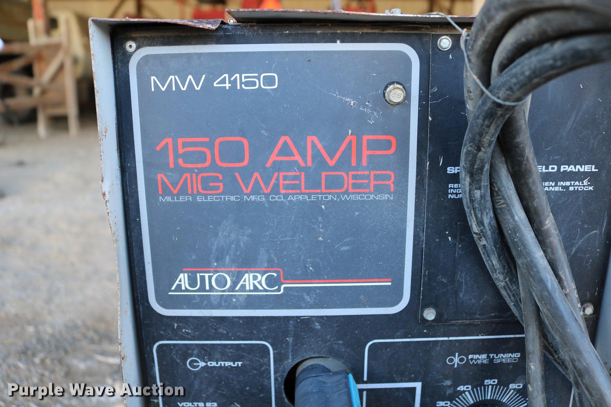 Auto Arc MW450 mig welder | Item EW9011 | SOLD! April 3 Gove...