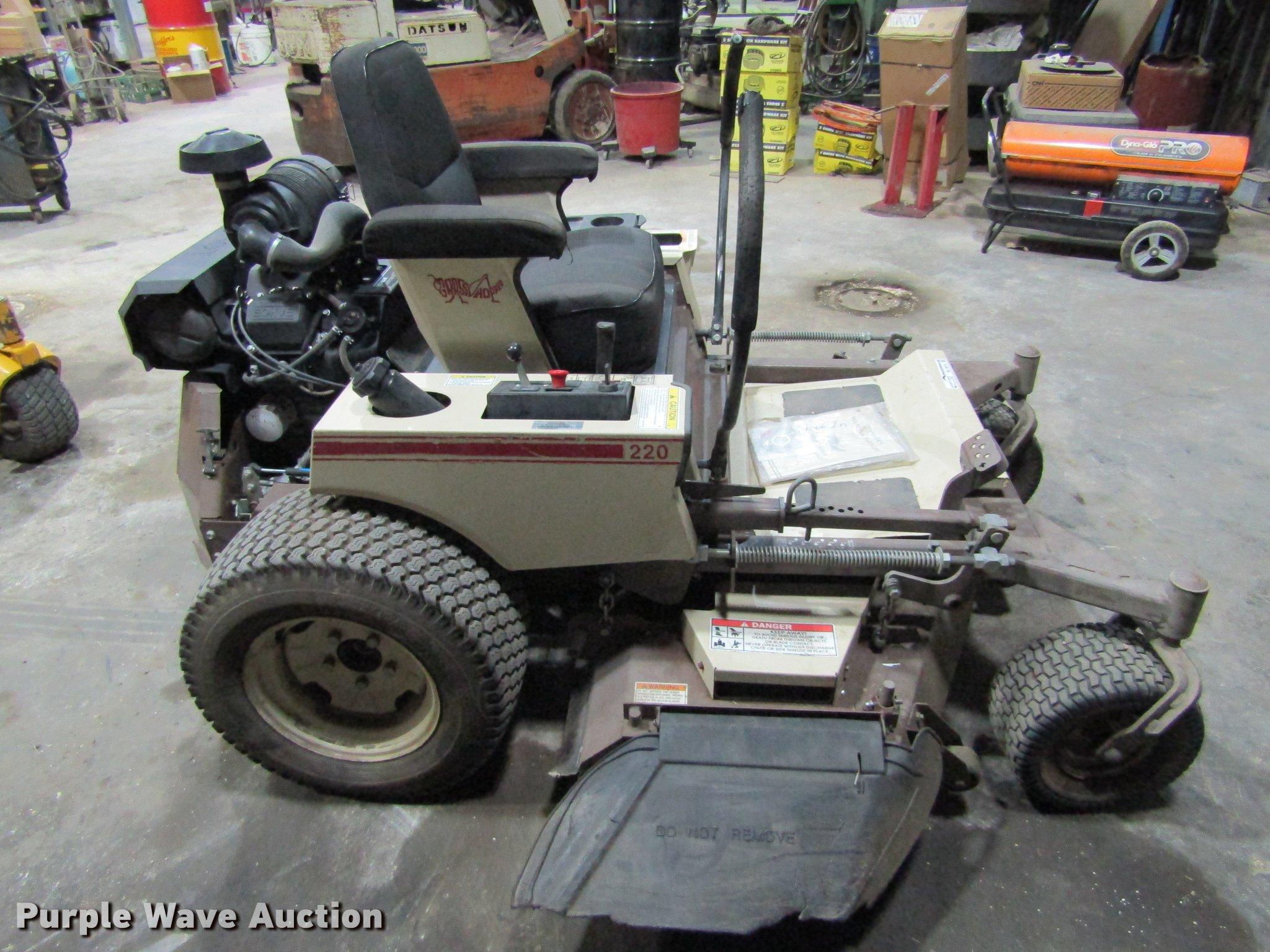 Grasshopper 220 ZTR lawn mower | Item BU9674 | SOLD! April 4