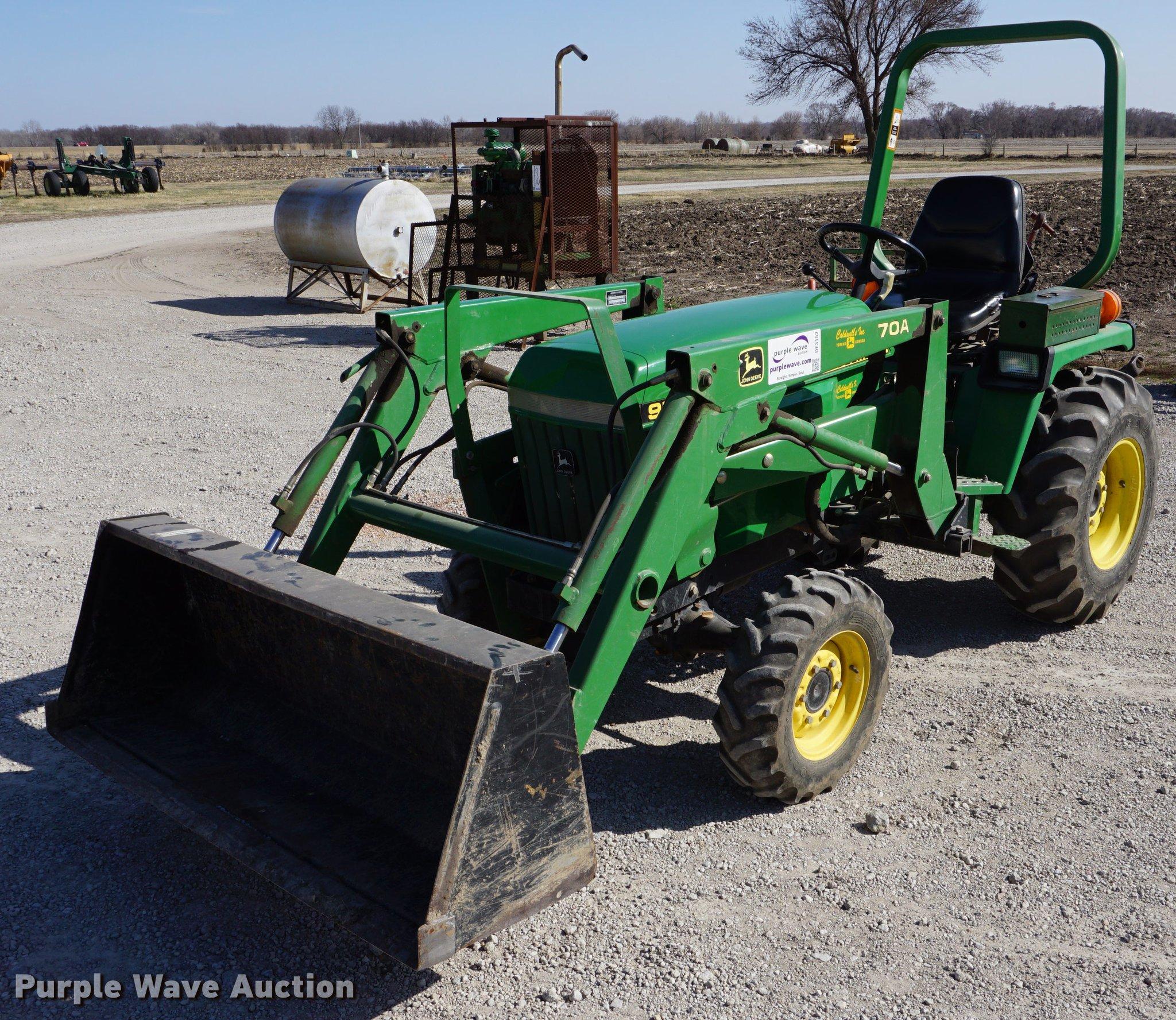 DE3153 image for item DE3153 1997 John Deere 955 MFWD tractor