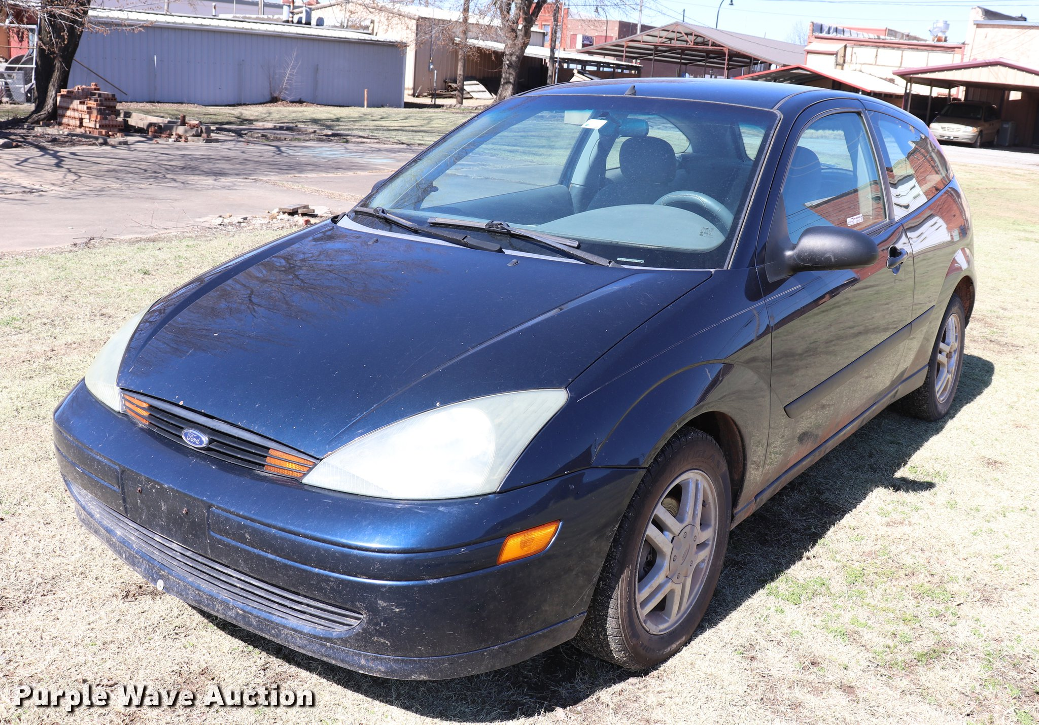 EJ9797 image for item EJ9797 2003 Ford Focus ZX3
