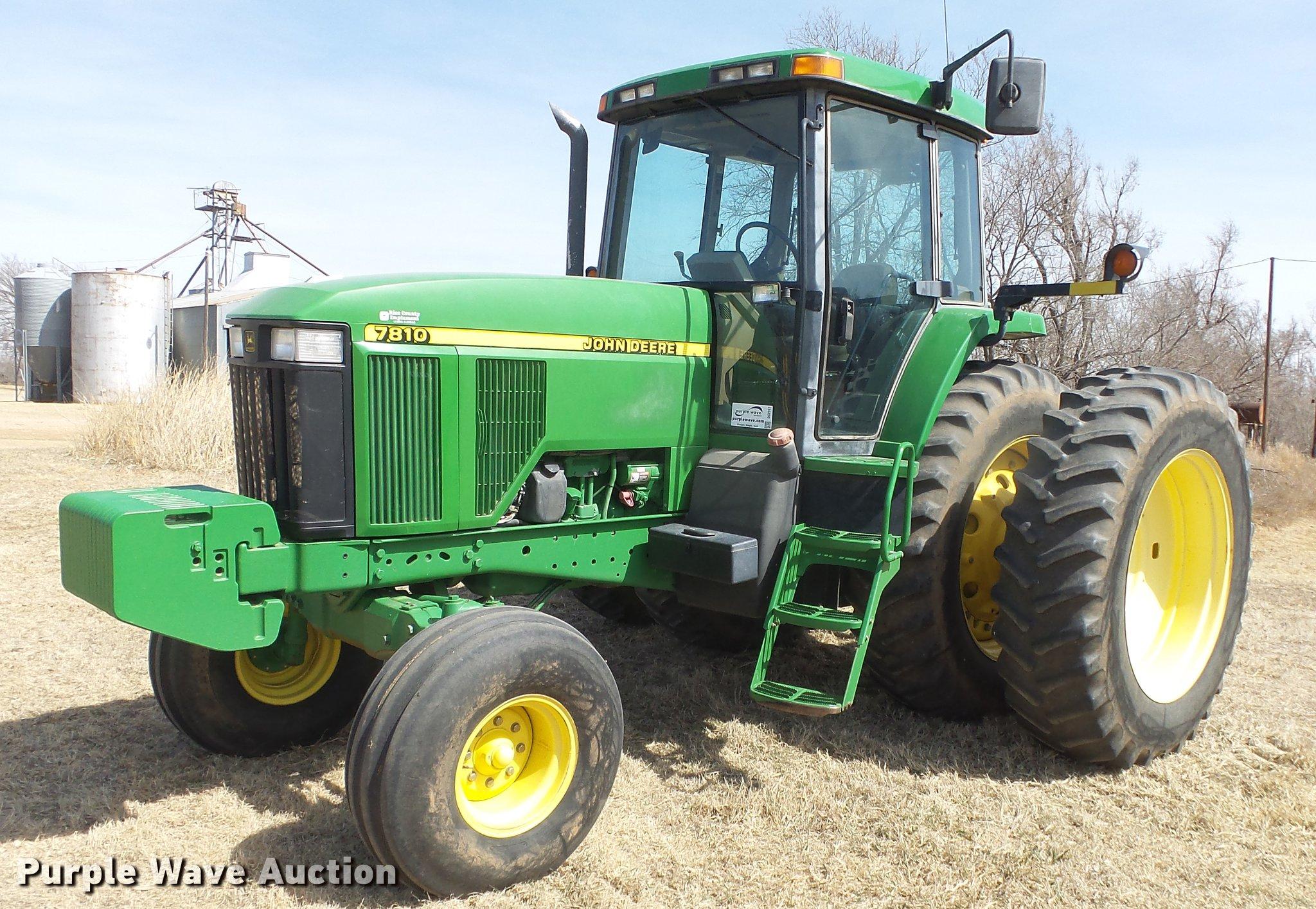 DC2317 image for item DC2317 1999 John Deere 7810 tractor