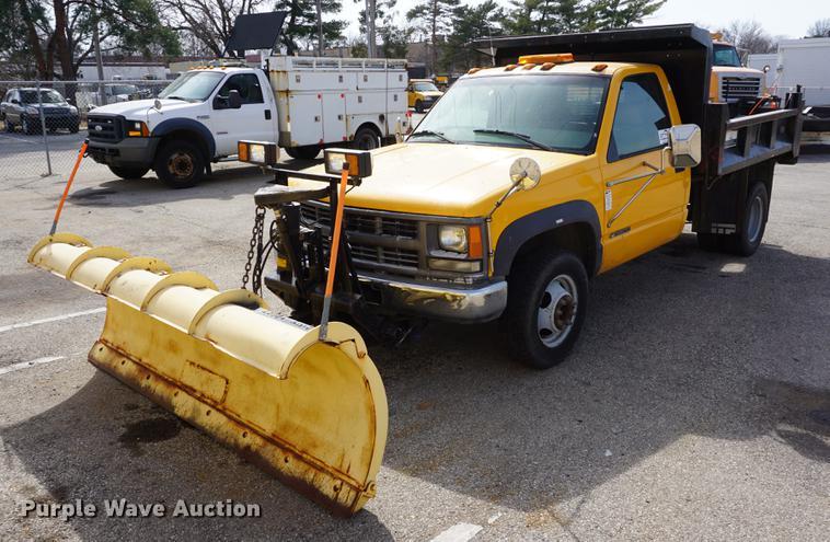 2000 Chevrolet K3500 flat dump bed pickup truck | Item DE318
