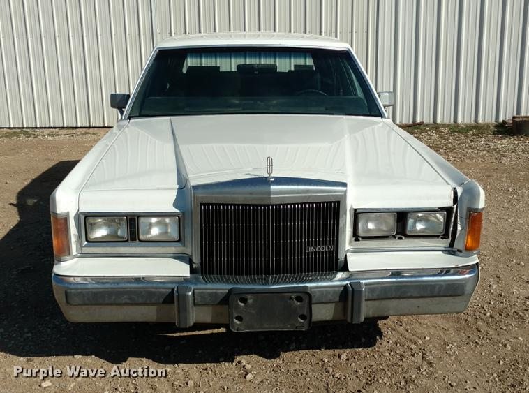 1989 Lincoln Town Car Item Dc0964 Sold April 18 Vehicle