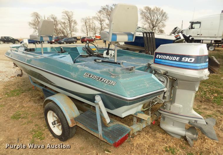 1982 Glastron HPV-155 25th Edition boat | Item DD2824 | SOLD