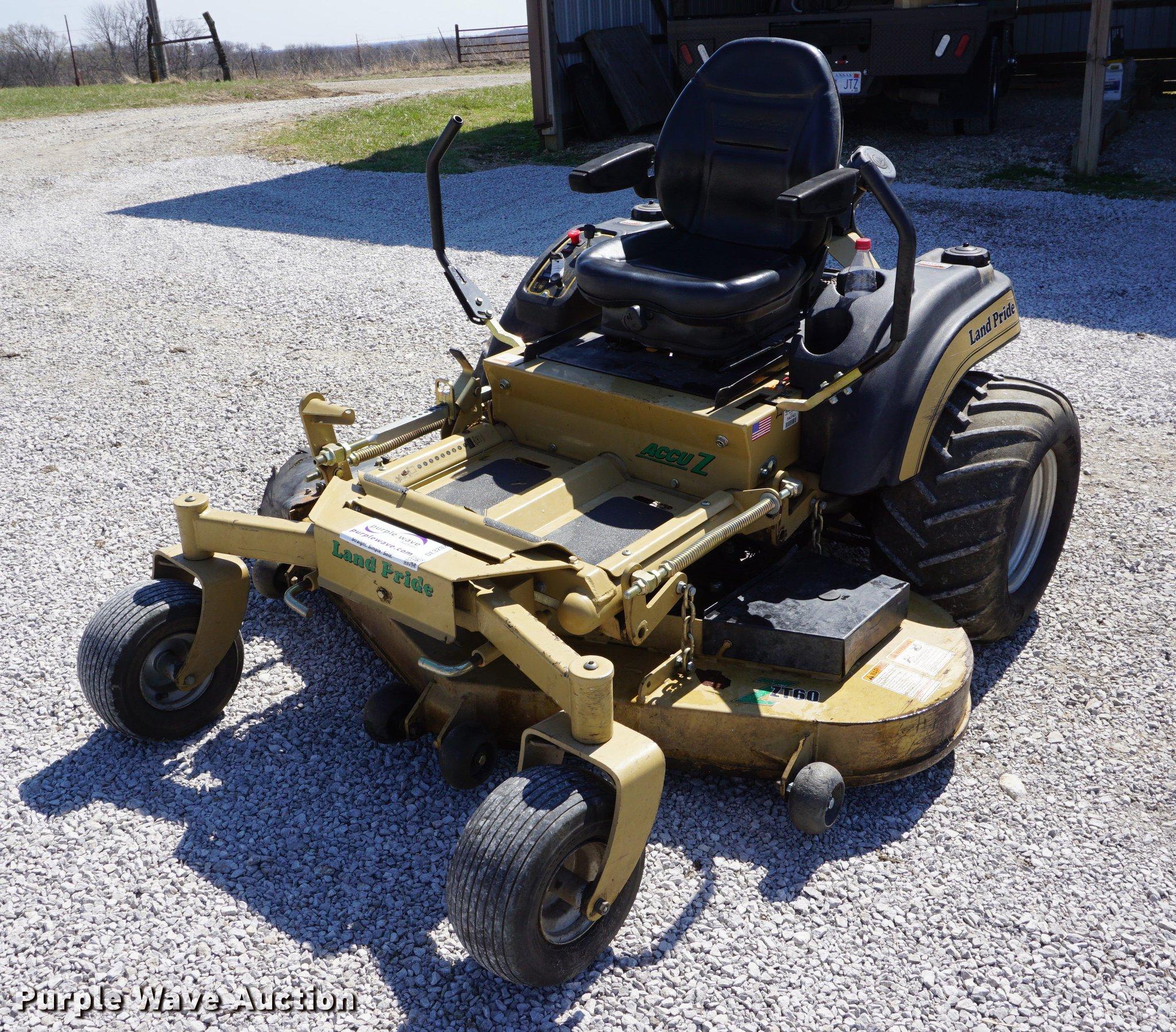 de3202 image for item de3202 land pride zt60 lawn mower