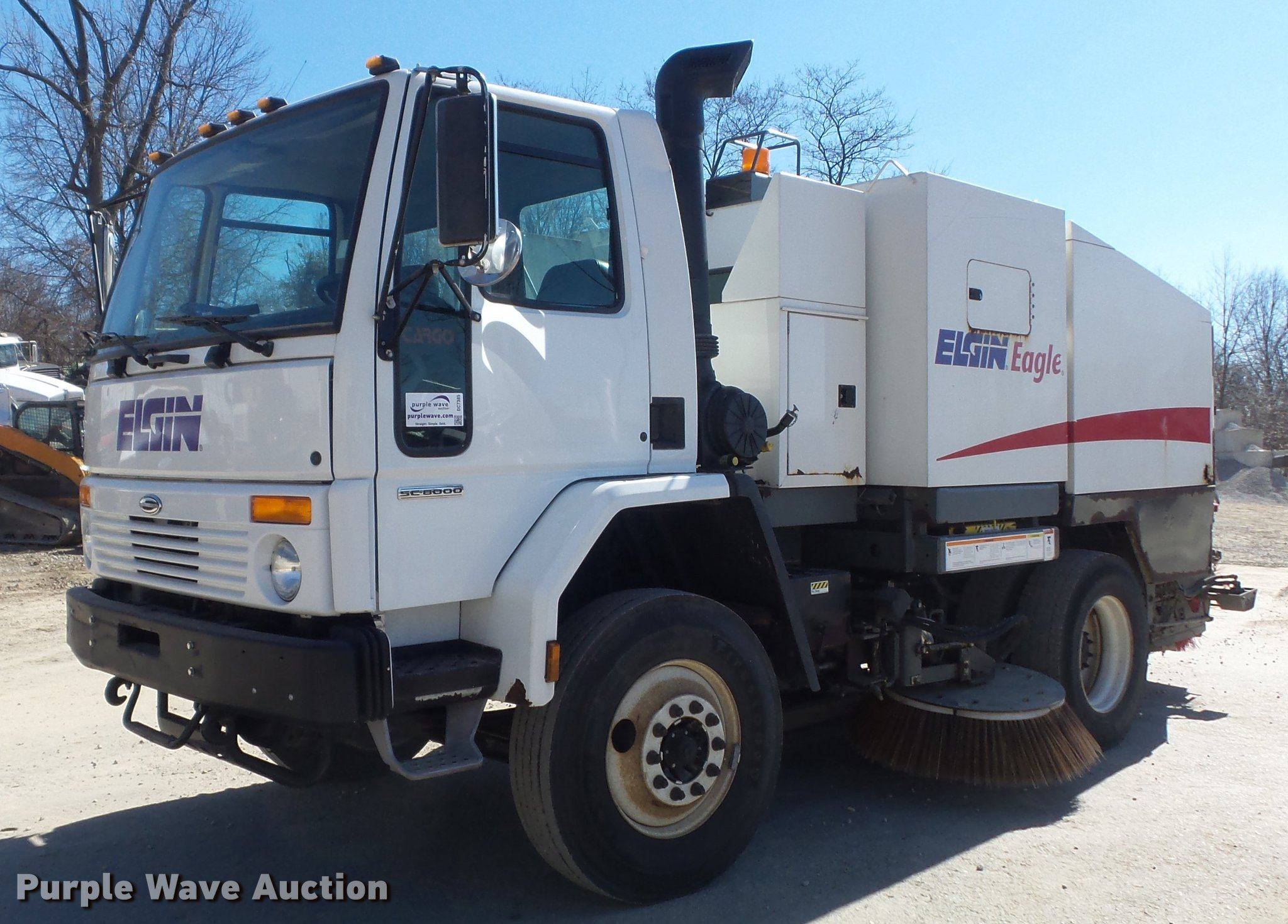 DC7385 image for item DC7385 2004 Elgin Eagle series F street sweeper