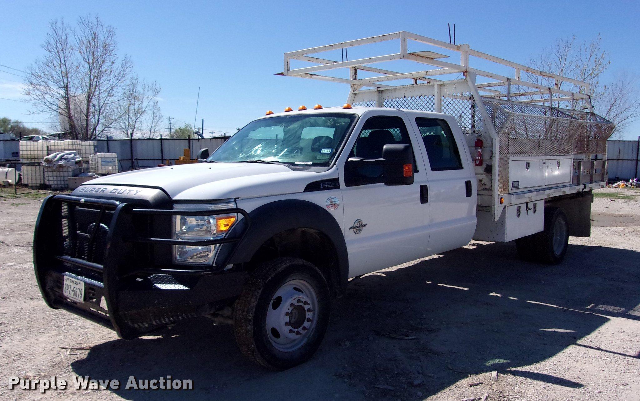 2011 Ford F550 Super Duty Crew Cab flatbed truck