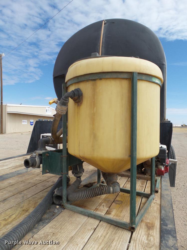 2008 Behnke sprayer fertilizer tender trailer   Item DD1228
