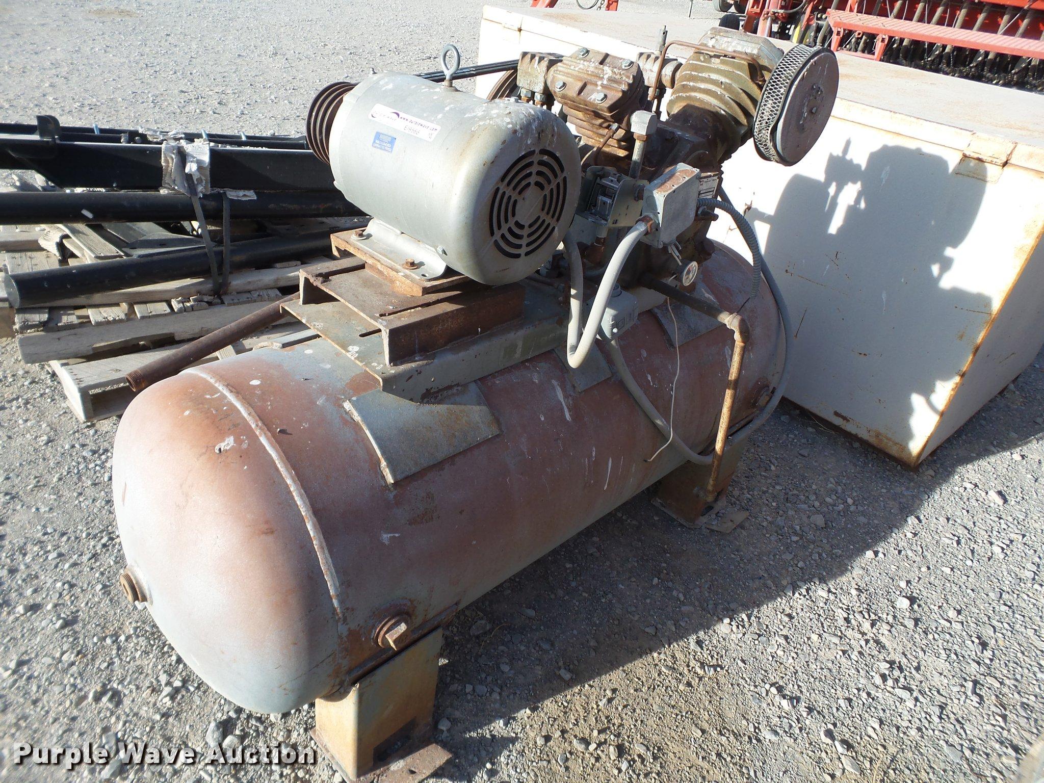 Ingersoll Rand air compressor   Item EI9568   SOLD! April 25