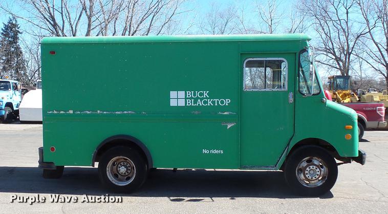 1987 GMC Grumman Kurbmaster delivery truck | Item DW9566 | S