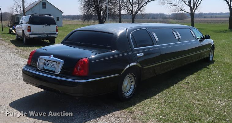 1999 Lincoln Town Car Limousine Item El9285 Sold May 2