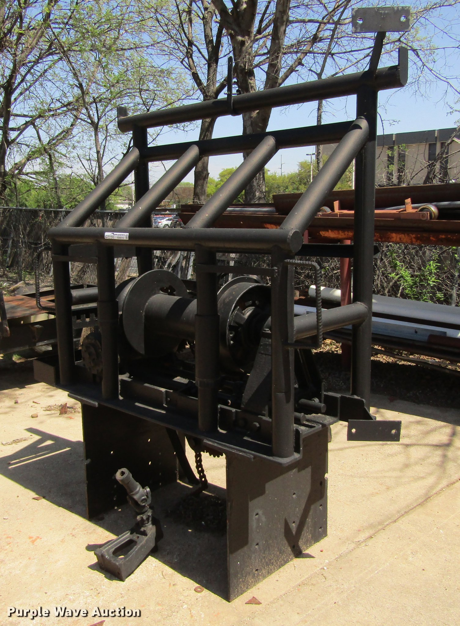 Tulsa winch | Item EB9518 | SOLD! May 2 Vehicles and Equipme