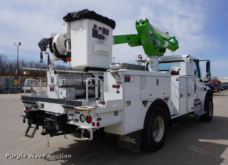 2013 Freightliner M2 106 bucket truck | Item DE3273 | SOLD!