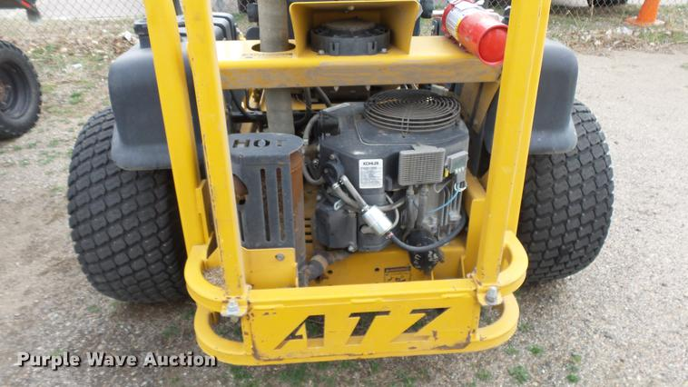 ... DC3173 image for item DC3173 2005 Hustler ATZ lawn mower