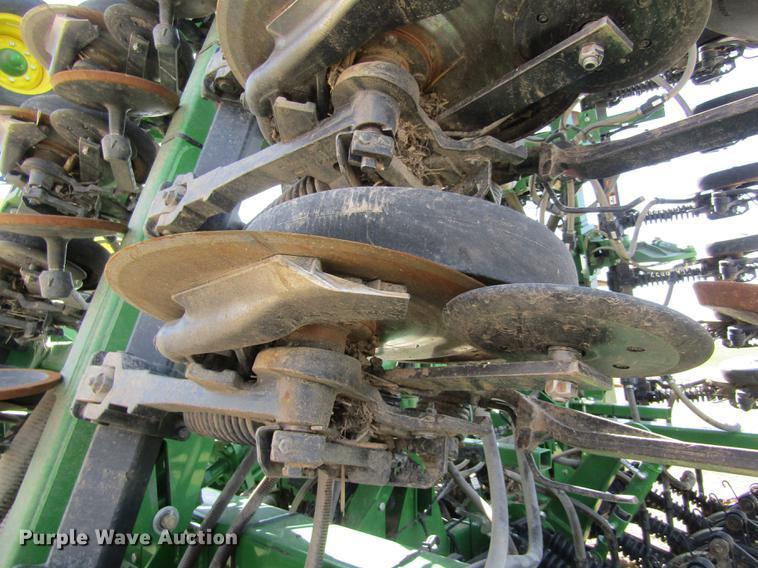 2014 John Deere 1890 air seeder | Item DD8757 | SOLD! May 9