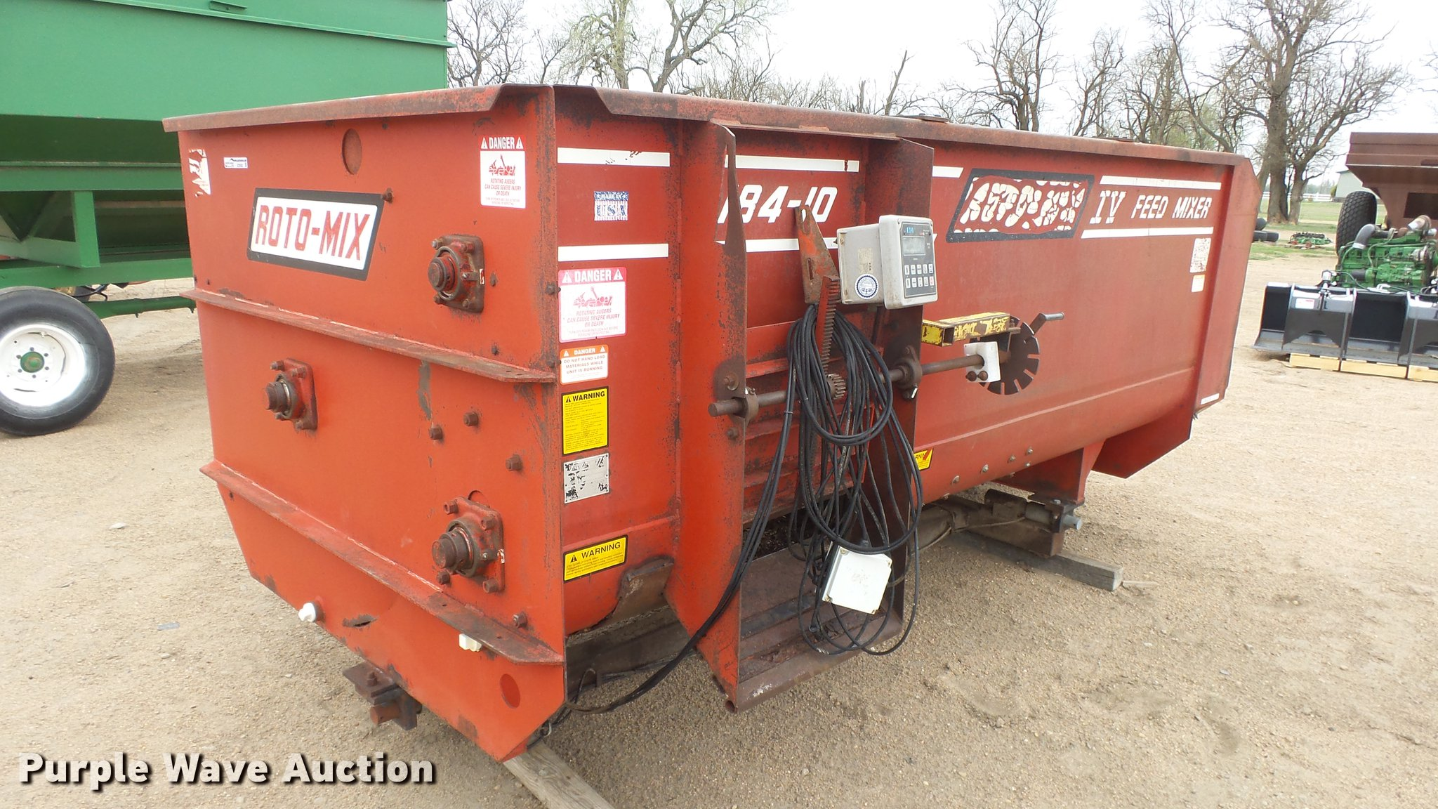 RotoMix 184-10 feed mixer | Item EZ9582 | SOLD! May 9 Ag Equ