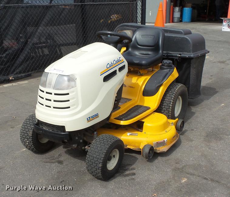 Array - cub cadet lt1050 lawn mower   item dv9704   sold  may 17 con     rh   purplewave com
