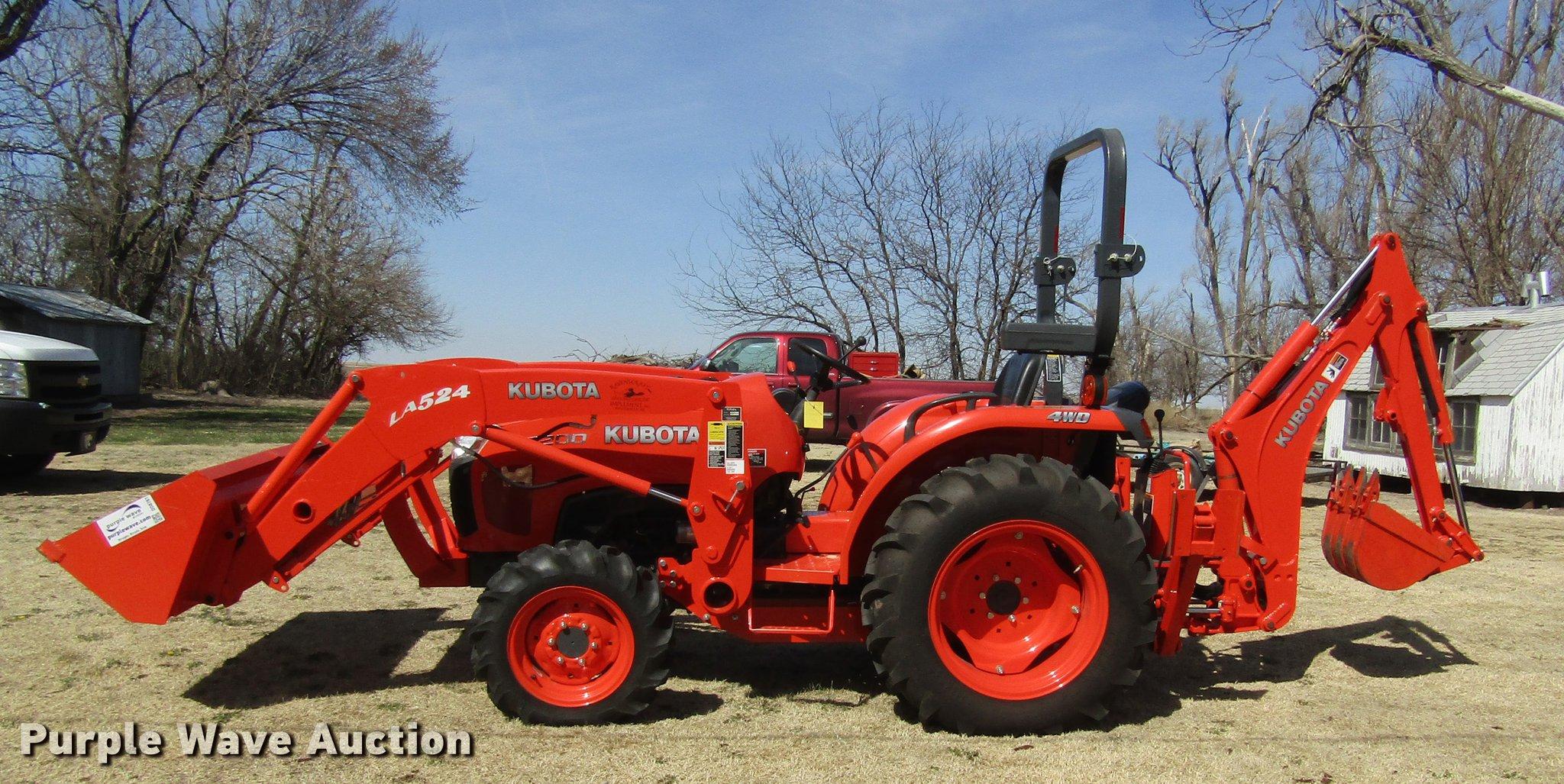 2013 Kubota L3200 HFWD tractor | Item DD8761 | SOLD! May 17