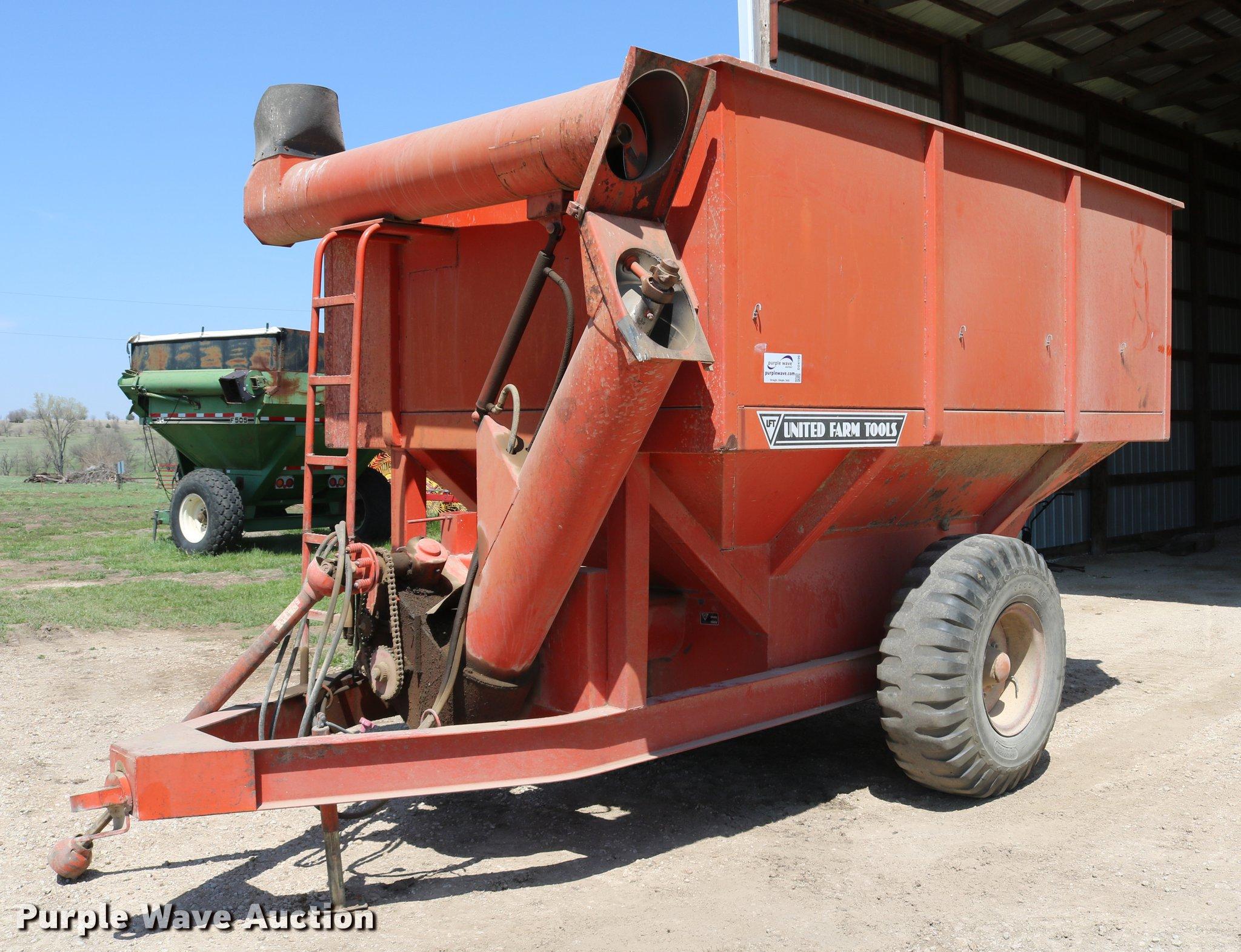 DD4196 image for item DD4196 United Farm Tools grain cart