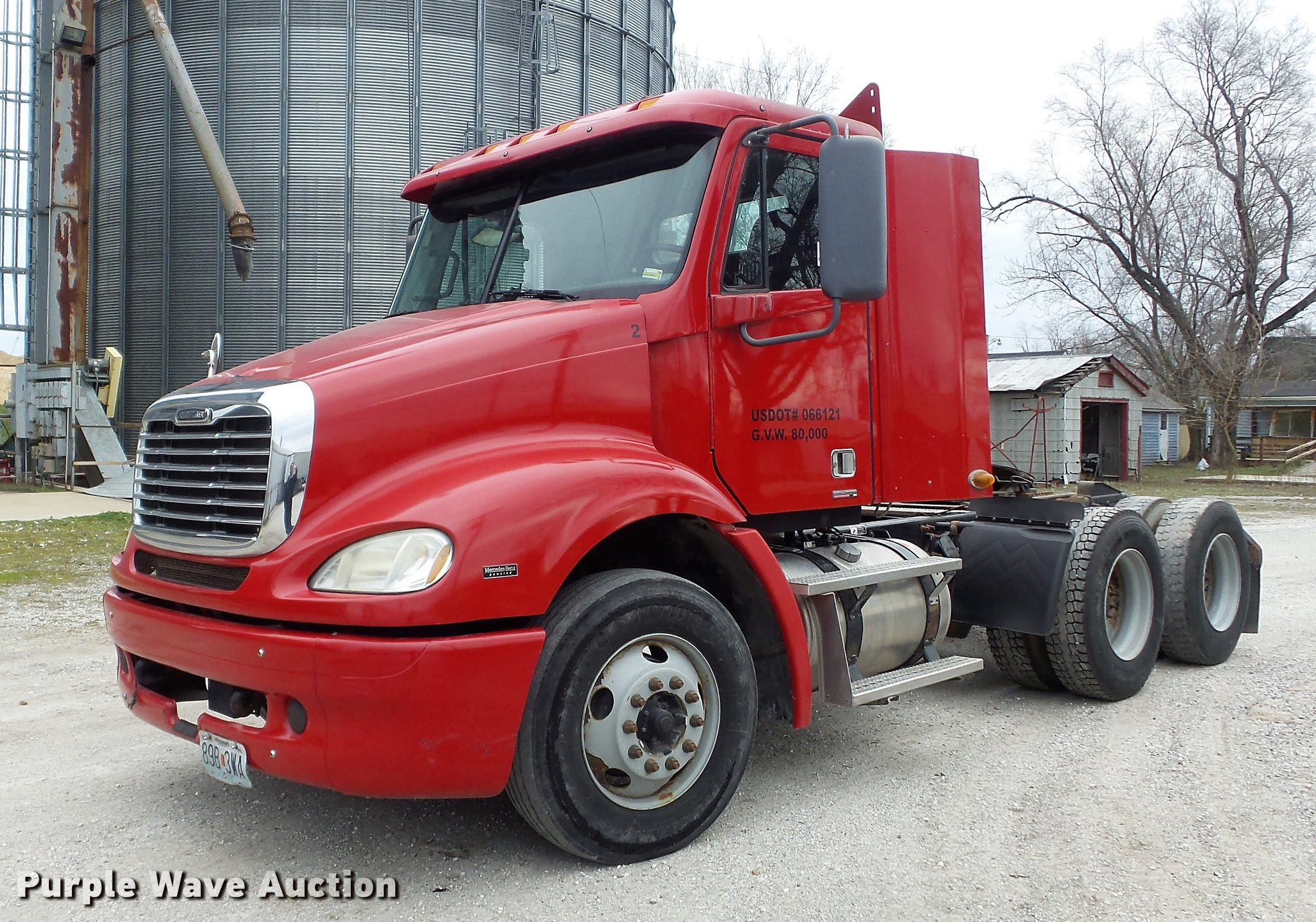 DC7361 image for item DC7361 2007 Freightliner Columbia ...