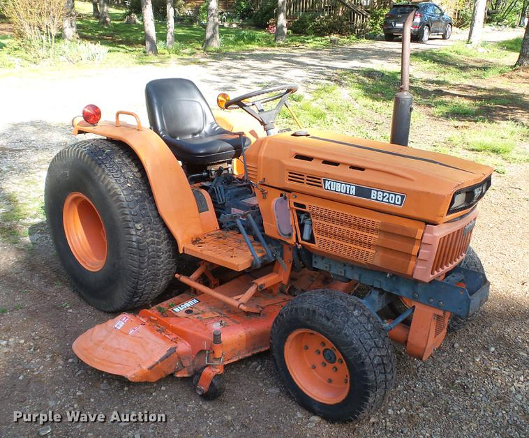 Kubota B8200 tractor | Item DC5546 | SOLD! May 30 Vehicles a