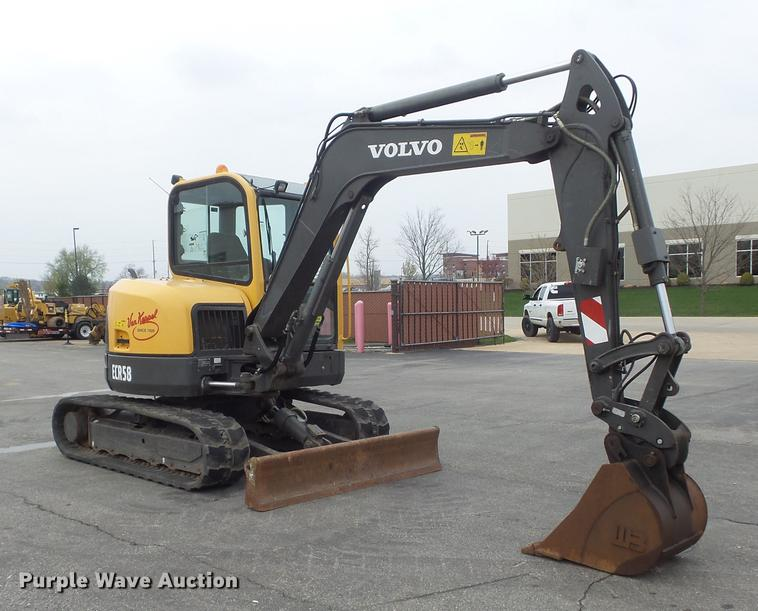2013 Volvo ECR58 mini excavator   Item DC7337   SOLD! May 31