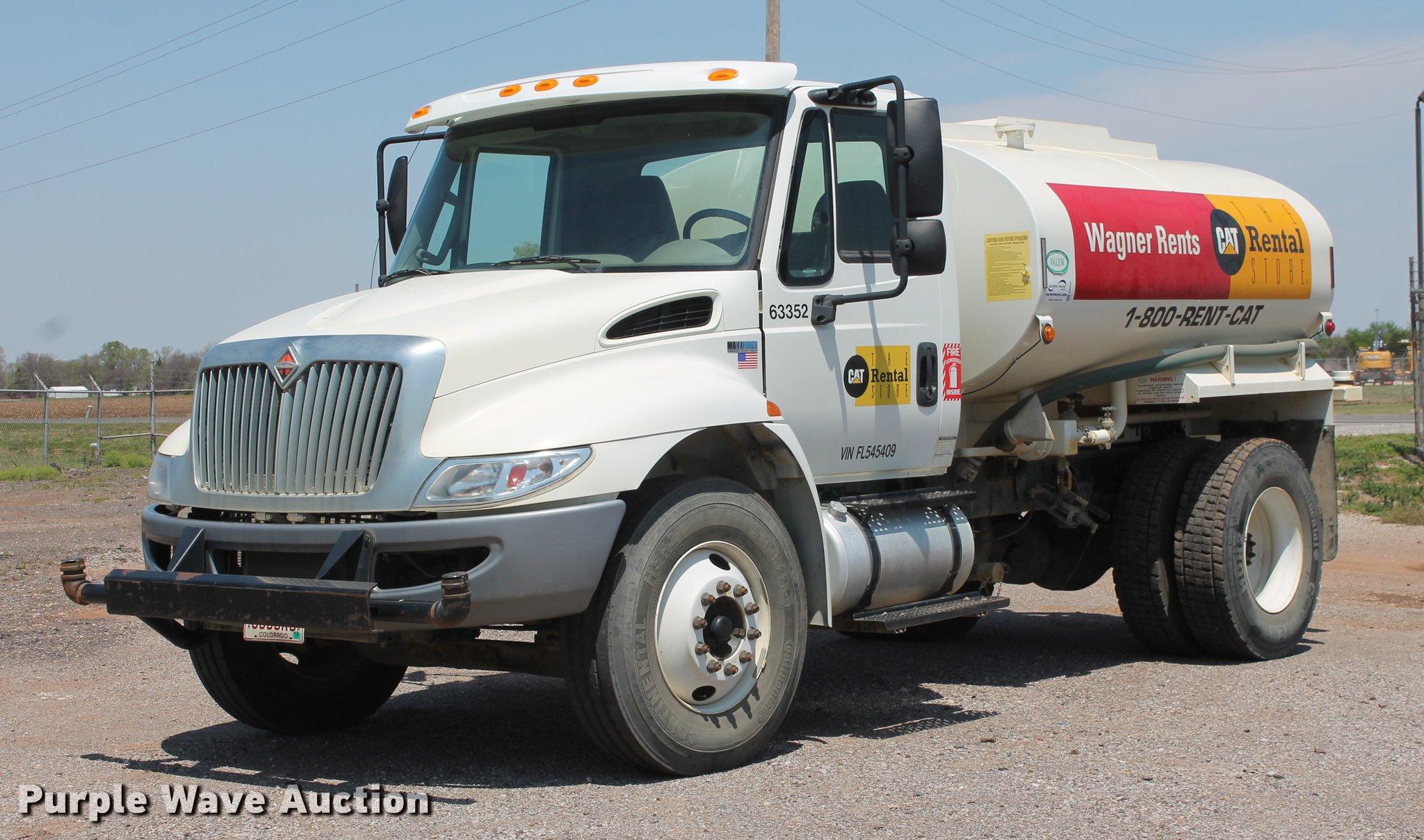 2015 International DuraStar 4300 water truck | Item DB5201 |