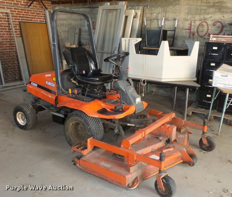 Kubota F3060 ZTR lawn mower | Item EX9226 | SOLD! June 5 Gov