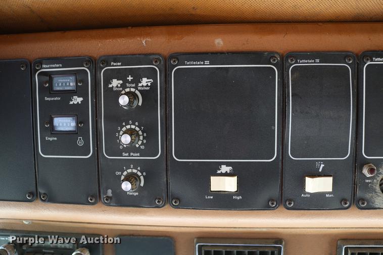 1981 Gleaner L2 combine | Item DC7563 | SOLD! June 6 Ag Equi