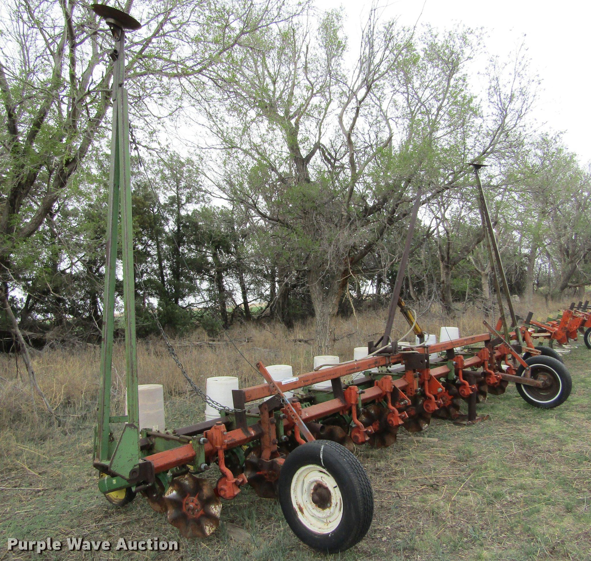 John Deere 71 Planter Item De6806 Sold June 6 Ag Equipm