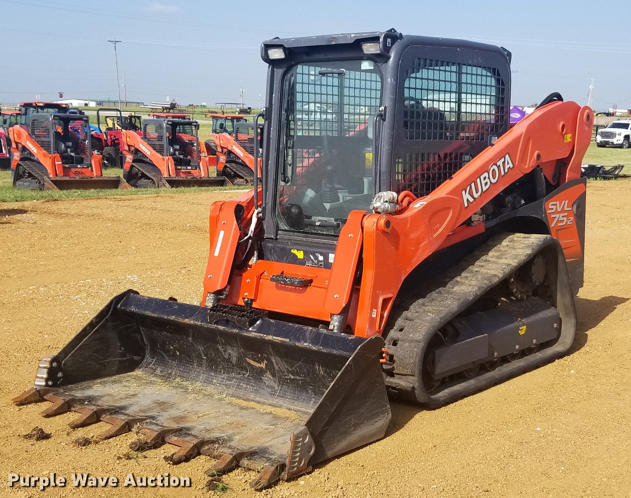 2015 Kubota SVL75-2 skid steer | Item EI9083 | SOLD! June 12