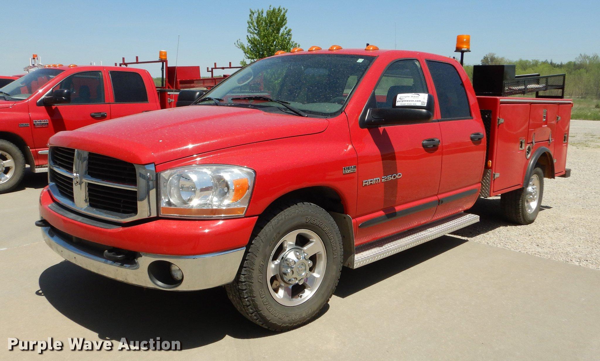 2006 Dodge Ram 2500 Quad Cab Utility Bed Pickup Truck Item