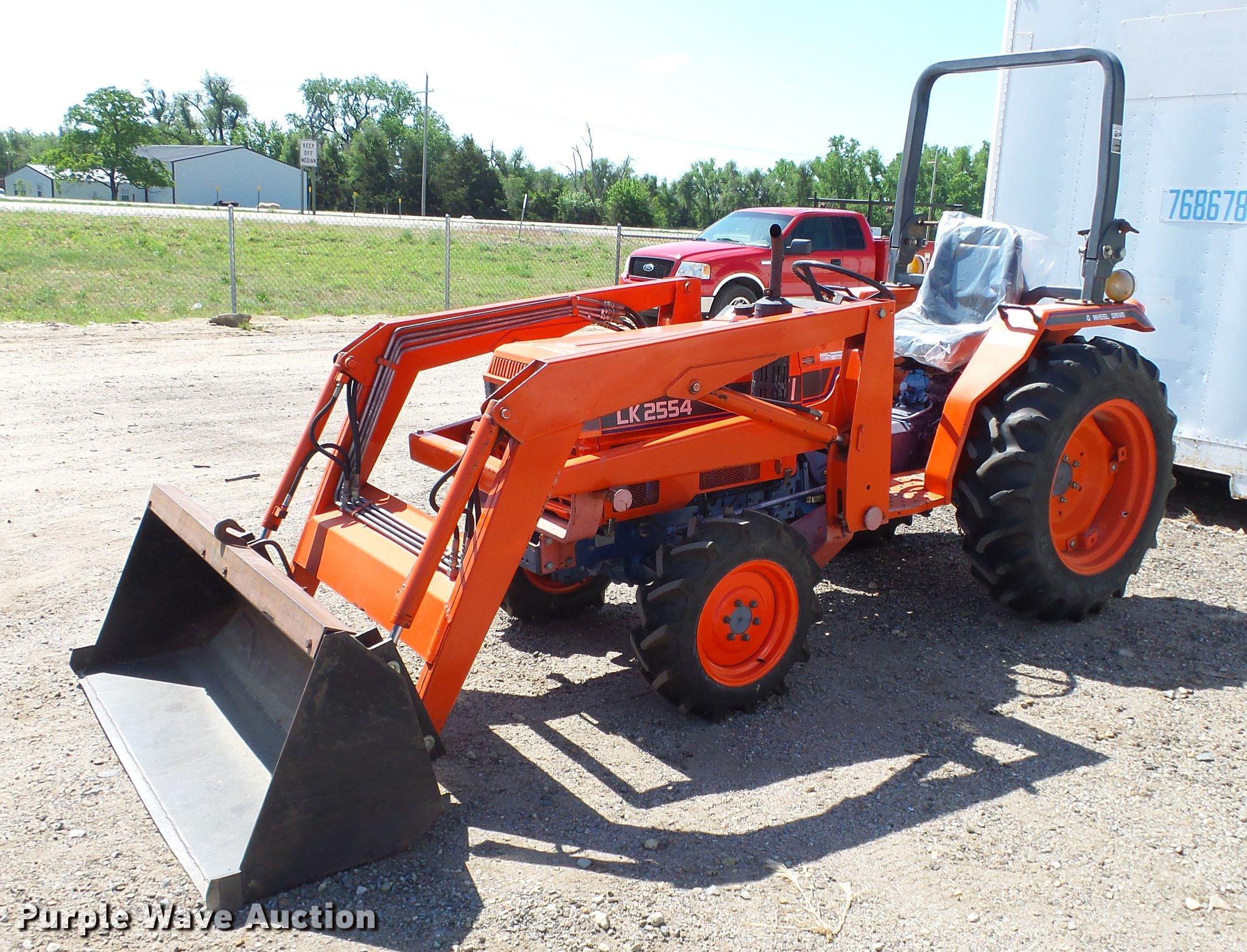 Kioti LK2554 MFWD tractor | Item ET9517 | SOLD! June 13 Vehi
