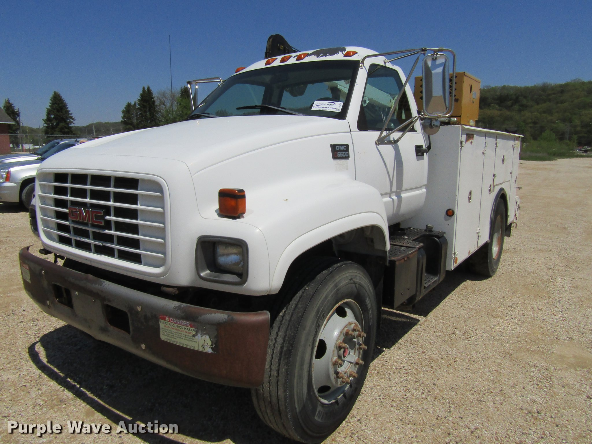 DF3798 image for item DF3798 1998 GMC C7500 service truck ...