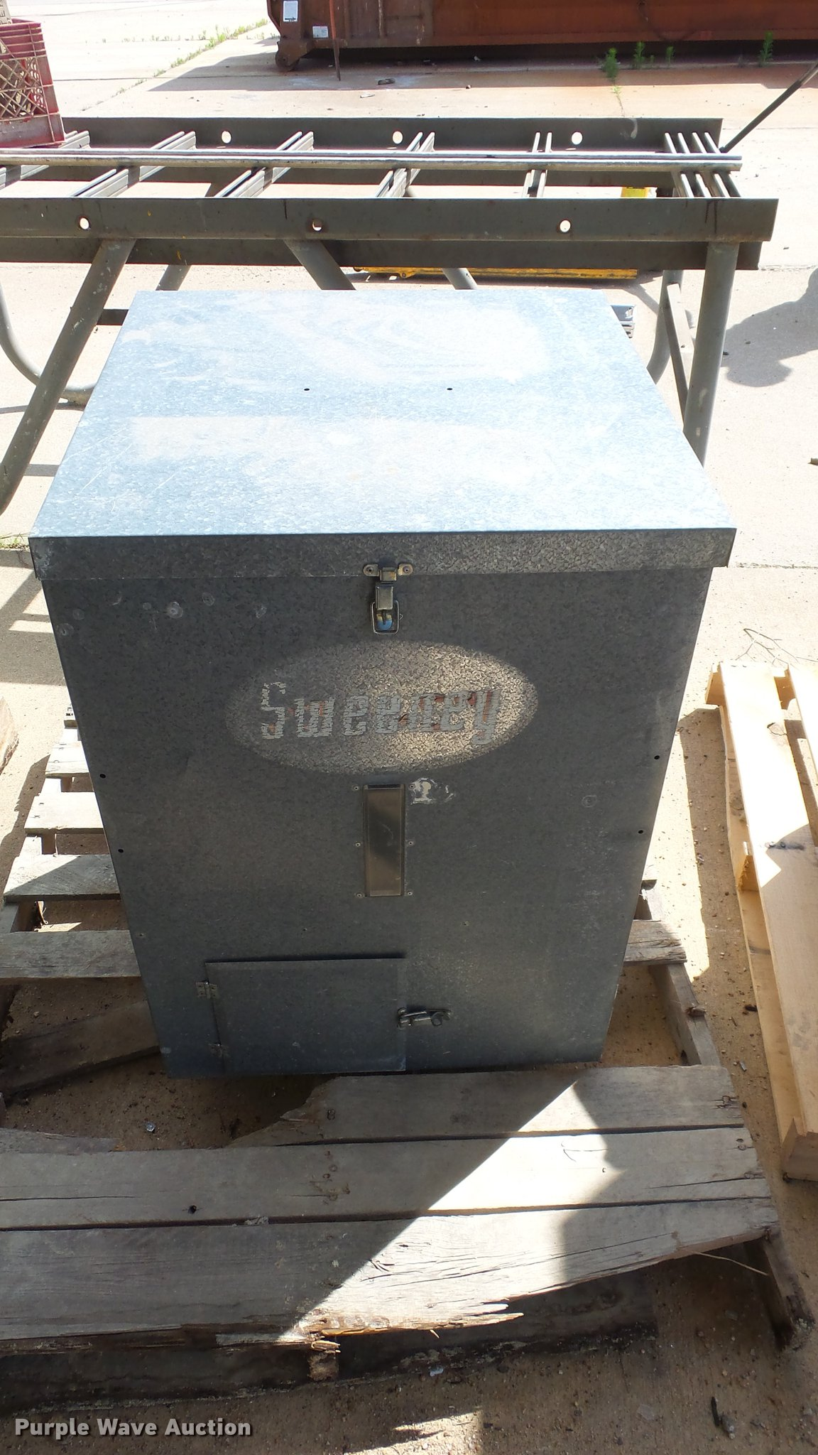 june sweeney governme in directional full new tuesday window fish size feeder item auction