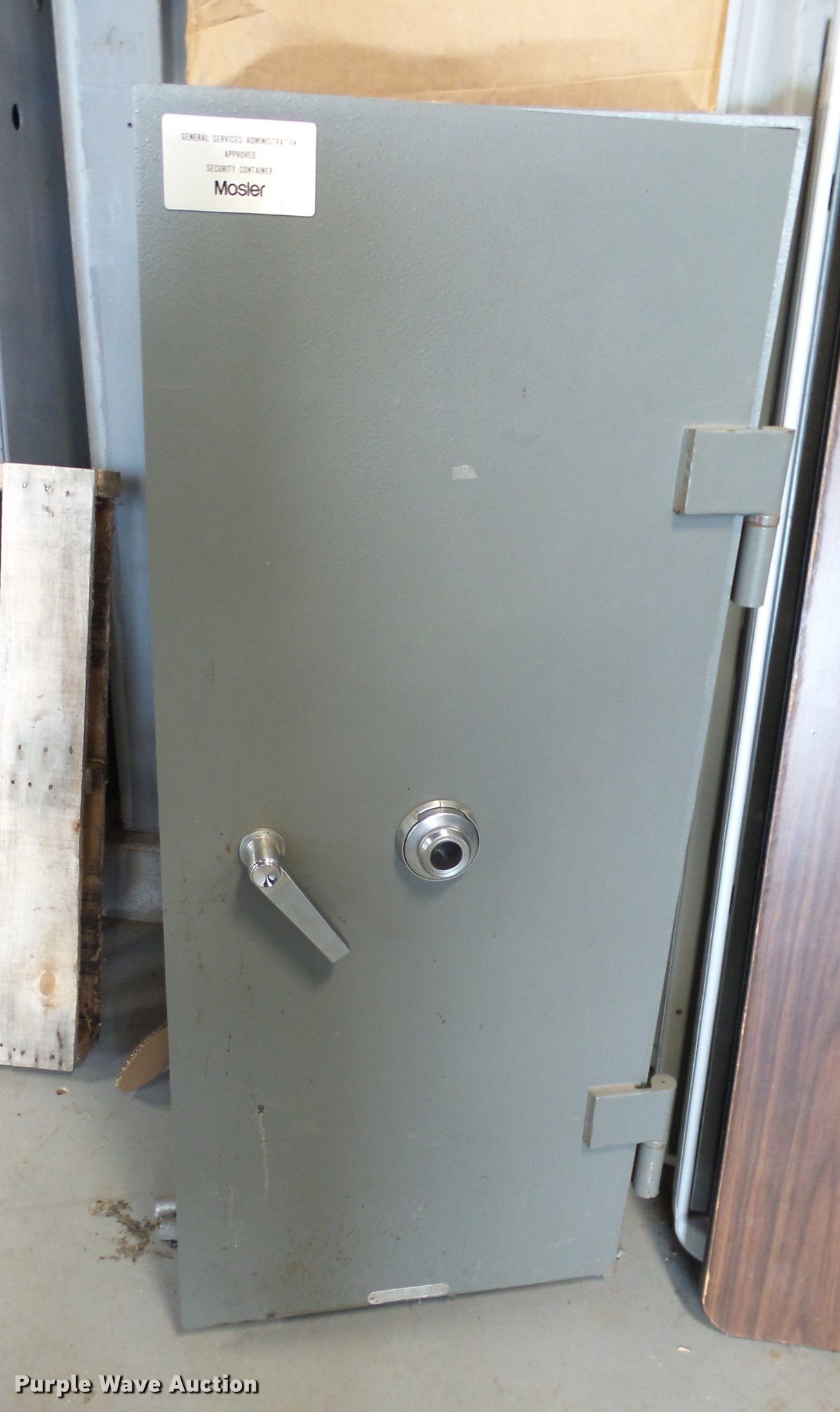 Mosler CL5WF gun safe   Item ET9658   SOLD! June 19 Governme