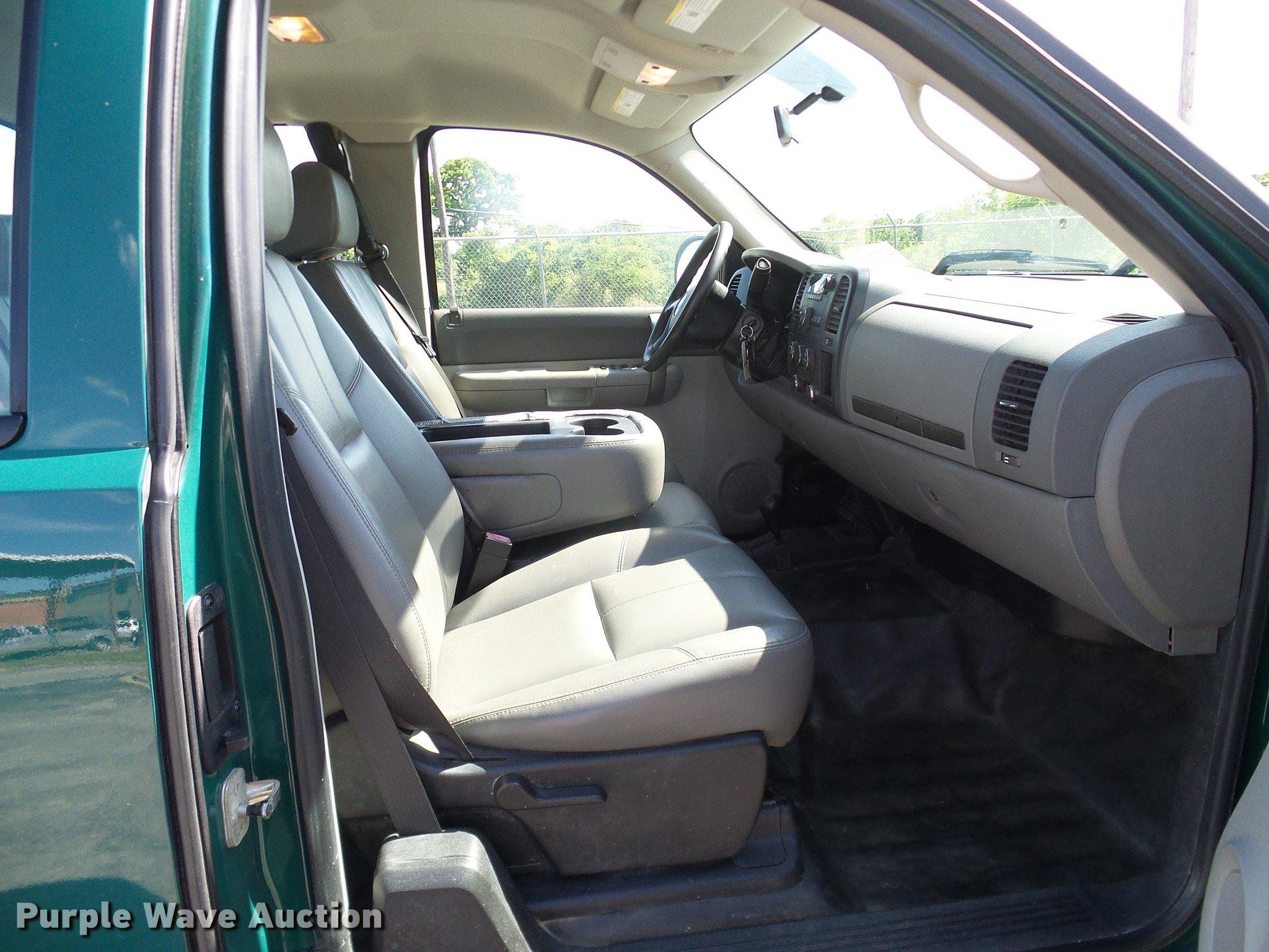 2008 Chevrolet Silverado 1500 Ext  Cab pickup truck | Item D