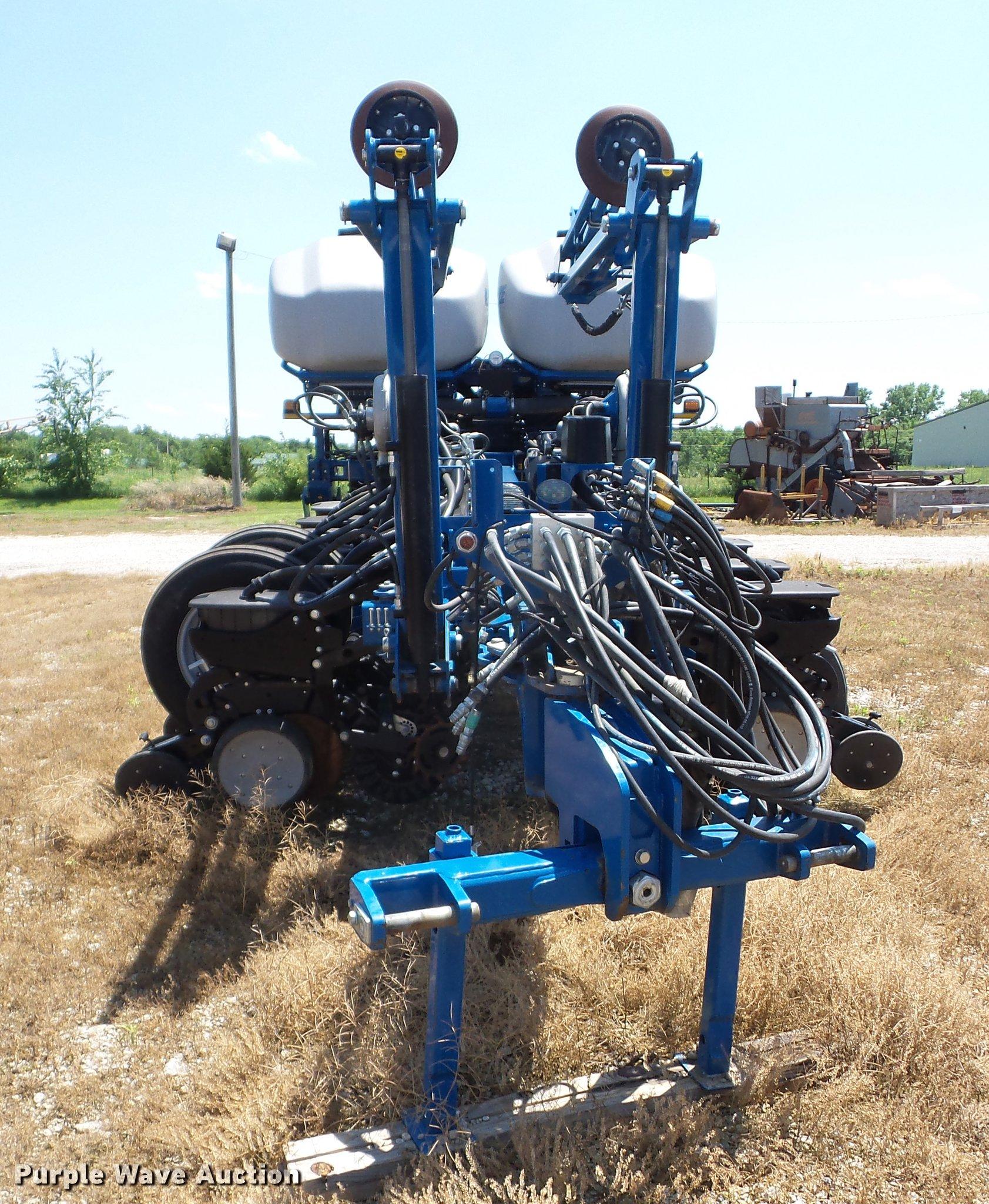 2014 Kinze 4900 No Till Planter Item Ay9501 Sold June 2