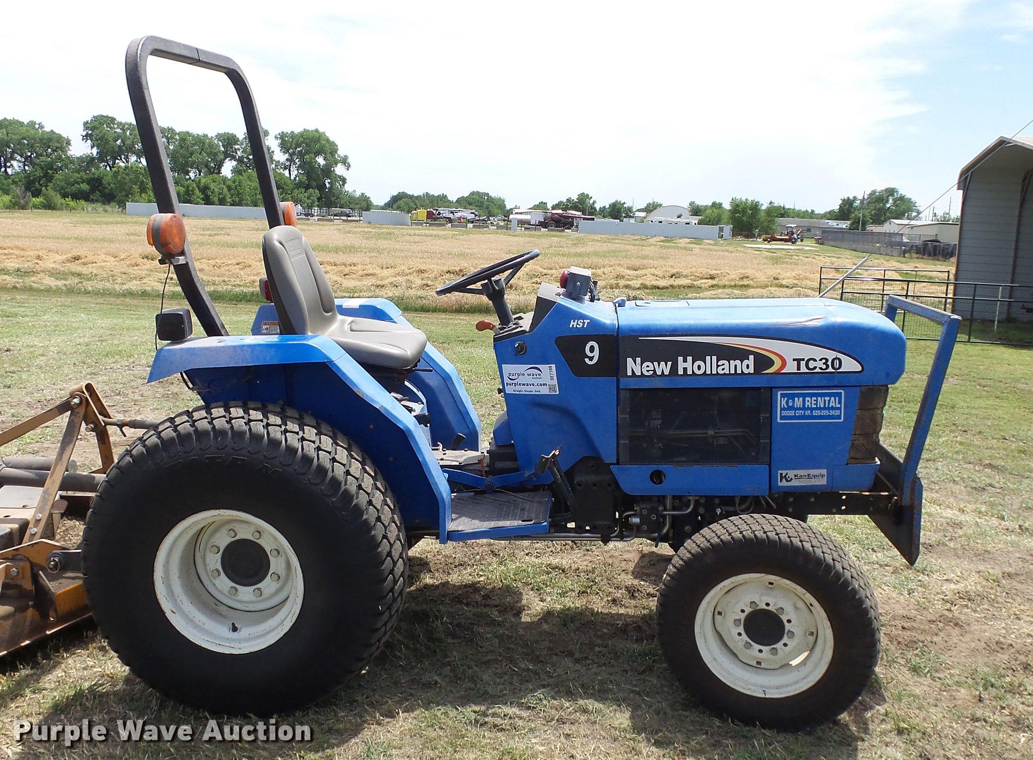 New Holland TC30 tractor Item DE7109