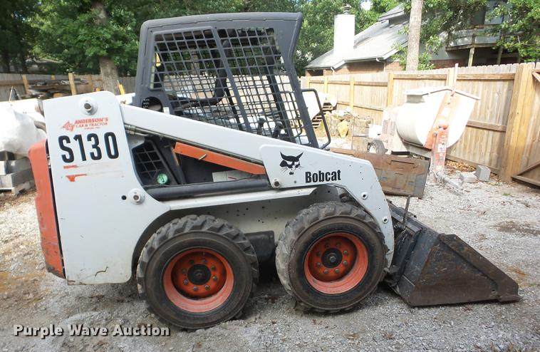 2004 Bobcat S130 skid steer | Item K6276 | SOLD! June 28 Con