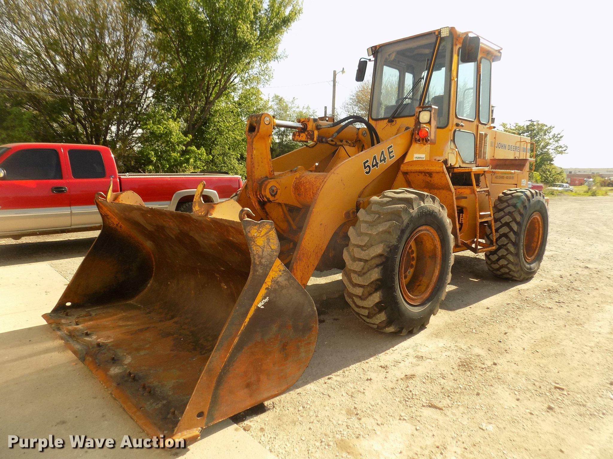 DD2756 image for item DD2756 1989 John Deere 544E ...