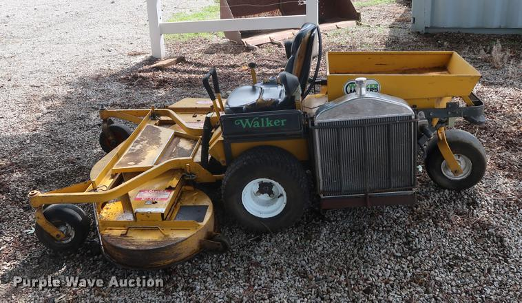 Walker ZTR lawn mower | Item AT9245 | SOLD! July 18 Vehicles