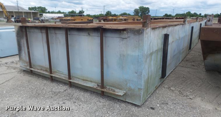 Flat deck barge | Item DD7201 | SOLD! July 19 Construction E