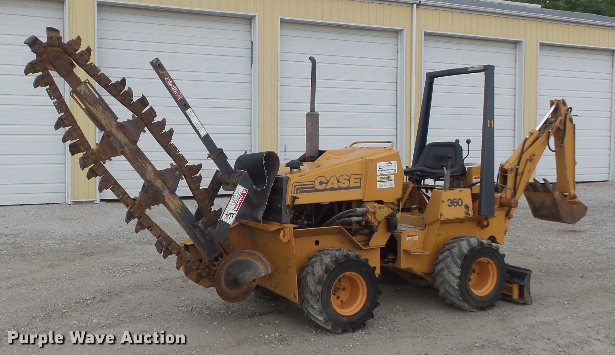 DD7226 image for item DD7226 1997 Case 360 trencher