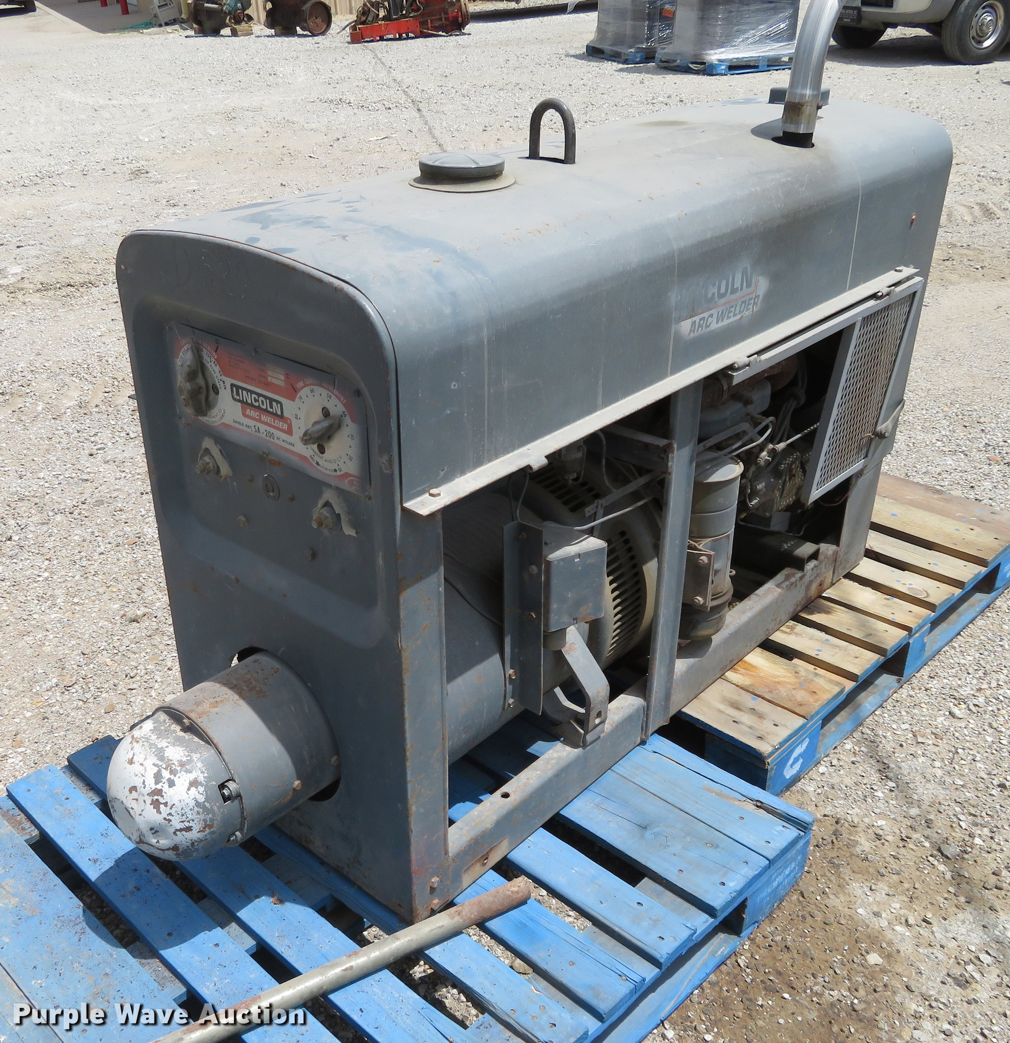 Lincoln SA-200 arc welder | Item EJ9646 | SOLD! July 24 Gove