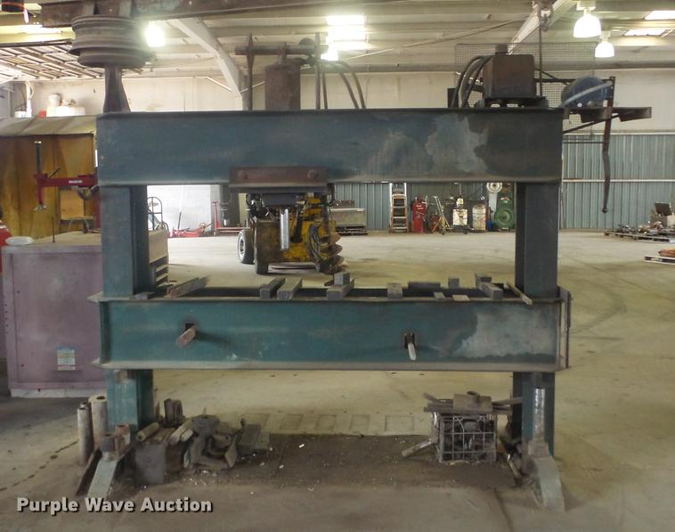 Hydraulic press | Item EF9008 | SOLD! August 1 Vehicles and